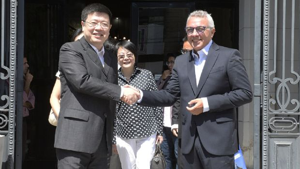 Julio Zamora recibió al embajador de la República Popular China Zou Xiaoli
